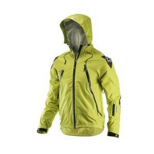 Велокуртка Leatt DBX 5.0 All Mountain Jacket LimeВелокуртка<br>Куртка, которая не дает вам никаких оправданий, чтобы не ездить верхом, поскольку она идеально подходит для любых погодных условий. Водонепроницаемая и дышащая с регулируемой вентиляцией, этот куртка затрудняет высказывание «нет».<br><br>Трехслойная оболочка HydraDri с грязеотталкивающим покрытием<br>Полностью сваренный шов<br>Высокая водонепроницаемость и воздухопроницаемость 20.000 / 20.000<br>Гидрофильный материал, уменьшающий конденсацию<br>YKK AquaGuard молнии<br>Подходит для езды с или без броня<br>Трехточечный, полностью регулируемый капюшон с жестким пиком подходит для всех шлемов<br>Светоотражающая печать на пике капота<br>Защита ткани  на плечах и локтях<br>Большая вентиляция с двухсторонними молниями и карманами<br>Регулируемые передние и задние вентиляционные отверстия<br>Карман на левой руке<br>из микрофибры<br>Шелковые штормовые манжеты на запястьях<br>