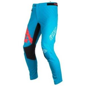 Велоштаны Leatt DBX 4.0 Pant, синий 2018Велоштаны<br>Разработанный для Trail, Downhill и BMX, эти стрейч-гоночные брюки предлагают удобную предконтурную форму, которая поможет вам наслаждаться ними еще больше!<br><br>Предварительно изогнутые гоночные приспособления<br>Сверхлегкий и вентилируемый стрейч<br>1000D внутренняя панель для захвата колена и бесшовное сиденье<br>Застежка -молния YKK и многорядная безопасная строчка<br>Талия с боковыми ремнями и 360 ? силиконовая рукоятка<br>Чехол и карман для талии<br>Прокладка для защиты от влаги MoistureCool<br>