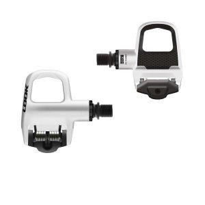 Педали контактные Look Keo Classic 2 WhiteПедали для велосипедов<br>Педали шоссейные Look KEO Classic 2Легкие, прочные, шоссейные педали для начинающих велосипедистов от всемирно известной марки Look. Будучи первым изобретателем контактных педалей, компания LOOK выпускает модели, лидирующие на протяжении десятилетий.Особенности:Новый корпус с двойным вводом материалаНовая углубленная поверхность подшипникаРегулируемая жесткость выстегивания от 8 до 12100% сделано во ФранцииБольшая контактная поверхность для комфортного педалированияОчень простые в использовании, идеально подходят для начинающихХарактеристики:Использование: на дороге, для отдыхаКорпус: КомпозитнаяОсь: стальРезьба: 9/16 x 20 ммРоликовый подшипник: 1 шариковый подшипник, 1 игольчатый подшипникВысота шпиндель / подошва: 17,5 ммMultitensor: Регулируется, от 8 до 12Шипы: шипы для педалей Grey KeoУгол отстегивания: 0°, 4.5° или 9° в зависимости от типа шипа (черный (black), серый (grey) или красный (red))Вес педали: 139 г на одну педаль (346г на одну пару с шипами и фурнитурой)Принадлежности: одна пара шипов для педалей Grey Keo + крепежный комплект (6 винтов 5 X 11 мм и 6 шайб).                                                Общие характеристики:    Артикул:PDRT/00006025 w    Брэнды:Look    Год:2016    Категория:Педали<br>