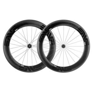 Колеса ENVE SES 7.8T G2 BT Ceramic S-11Колеса для велосипеда<br>ОписаниеКолеса трубчатыеENVE SES 7.8 Carbon Ceramic S-11(Артикул100-3104-023)Самые быстрые и стабильные из всех колёсENVE. Идеально подойдут опытным триатлонистам и требовательным гонщикам.Инженеры создалиаэродинамические колёса SES 7.8 для достижения двух целей: максимальнойскорости и стабильности. SES 7.8 воплощают в себе новейшие технологии, включая новуютормозную дорожку на 30% более эффективную, чем прежниеверсии, обладающуювысоким стабильным КПД как при сухой, так и влажной погоде. SES 7.8 чутьшире других колёс, они имеют ободья различного профиля спереди / сзади и специально оптимизированы для использования с современными аэродинамическими рамами и широкими25 мм шинами. 20 / 24 спицы. Версия с фрихабом Shimano 11.Версия колёс на керамических втулках DT Swiss 180. Вес передней втулки всего 100 г!Керамические подшипники с минимальным трениеми сопротивлением качению, что позволяет колесу катиться максимально легко и быстро.ENVE SES 7.8 Carbon Ceramic -выбор спортсменов высшего уровня и энтузиастов, одно из лучших современных инженерных решений.ОсобенностиСтабильны присамом сильномветре и во влажных условияхРазработаны для использования с 25 ммшинамиЛитая текстуратормозной дорожки увеличиваетэффективность торможения на 30% по сравнению с предыдущей версией как во влажных условиях, так и в сухихЗапатентованные литые спицыВысота обода 71 и 80мм, внутренняя ширина 19 мм, внешняя ширина29 / 27,5ммИзготовлены вручную в СШАЛатунные ниппелиВес пары 1342гТехнические характеристикиМатериал:карбонВысота обода (перед / зад): 71 / 80ммВнутренняя ширина обода (перед / зад): 19 / 19 ммВнешняя ширина обода (перед / зад): 29 / 27,5 ммERD (перед / зад):516 / 504Вес пары: 1342гВес обода (перед / зад): 436/ 468гРекомендуемый размер шин: 25 ммСпицы: 20 / 24 штФрихаб: Shimano 11Внимание!Производитель в праве менять цвет и форму товара без дополнительного уведомления. Внешний вид колёс может отличаться от указанного нафот