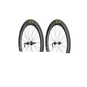 Колеса Mavic Cosmic CXR60 14 M11Колеса для велосипеда<br>Комплект, представляющий собой единое целое, для триатлона, спринта и гонок в горахShimano 11VТехнология CX01, проверенная гонками, теперь доступна в размере 60 мм для любых велогонок. Интегрированная система колес с покрышками позволяет снизить воздействие ветра. Заметный, эффективный и признанный всеми наиболее знаменитыми аэродинамическими лабораториями. Экономит время и энергию в любых условиях.Вес пары 1825 г без покрышки  820 г переднее / 1005 г заднее  2515 г WTS  1165 г переднее / 1350 г заднееСистема колесо-покрышка 60 мм с минимальным трением и сопротивлением боковому ветруАэродинамический профиль обода и покрышки N.A.C.A.Тарельчатый обод глубиной 60 мм с переходниками CX01 для унификации покрышки и ободаНизкое сопротивление боковому ветруИсключительная жесткость и низкий вес60-мм сверхширокий профиль полностью карбонового обода16/20 спиц из нержавеющей стали с усилением на концахЖесткие алюминиевые оси и большие подшипникиПростота применения на клинчерном ободе ExalithExalith 2: Тормозной путь на 18% короче на мокром и сухом дорожном покрытииПолная совместимость с клинчерной покрышкойCX01Технологией Mavic CX01 Technology предусматривается интегрированная система колес с покрышками , которая сглаживает воздушный поток вокруг покрышки и колеса и улучшает ламинарный воздушный поток при любых углах поворота . Она позволяет колесам Cosmic CXR двигаться с наименьшим аэродинамическим сопротивлением, которое может быть измерено на дороге для системы колес с покрышками.Сводит к минимуму турбулентность в месте сопряжения обода и покрышки для снижения аэродинамического сопротивленияЭкономит время при любых углах поворотаGripLink + PowerLinkRight Link, скорость и контроль Передняя покрышка должна обеспечивать максимальное сцепление, чтобы гарантировать уверенную управляемость и безопасность при повороте. Задняя покрышка должна максимально передавать усилие дороге и сводить к минимуму сопротивление качению.GripL