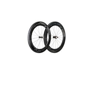 Колесо перед. FSA VISION METRON 81 grey клинчерКолеса для велосипеда<br>Описание и материал • Обод Карбон 100% высота 81 мм CFD обработка, рассчитан для покрышки • Облегченные втулки P. R.A. • 2 закрытых подшипника установлены на 17 мм алюминиевой оси  • Спицы стальные, тянутые плоской формы • Ниппеля ABS self-locking  • Ручная сборка •В комплект с колесом идут эксцентрик (QR-91), тормозные колодки, переходник для накачки колеса, чехол Размеры • 18 спиц. Радиальная сборка Обработка • Обода – UD carbon  • Втулка – UD carbon  • Спицы – черные • Наклейки - серые Вес • Перед. колесо: 830 гр.                                                Общие характеристики:    Артикул:710-0347CHBKG    Брэнды:FSA    Год:2016    Категория:Колёса<br>