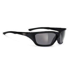 Очки Rudy Project GOZEN BLACK M.-POLAR 3FX GRAYВелоочки<br>ОчкиGOZEN с полноценной оправой гарантируют стопроцентную защиту от солнечного света, пыли и ветра.Такие очки имеют ободок, который окружает линзы, защищая глаза от наиболее интенсивного солнечного излучения. Такой тип очков идеален для видов спорта, в которых солнце светит в глаза напрямую или отражаясь от снега, песка или воды — пляжный волейбол, парусный спорт, альпинизм.Линзы Polar3FXВ новых революционных поляризованных линзах Polar3FX нашли применения наиболее продвинутые оптические технологии из последних достижений науки. Эти линзы сводят на нет раздражающие блики света и не дают глазам уставать. Подходят на яркое и средней яркости освещение.                                                                                        Общие характеристики:                                            Артикул:SP155906X                        Брэнды:Rudy Project                                                Категория:Очки<br>
