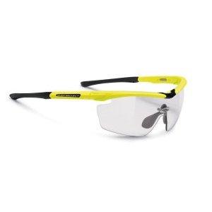 Очки Rudy Project GENETYK YELL FLUO GLOSS ImpX 2 PHT BLACKВелоочки<br>Очки Rudy Project GENETYKВ этой модели оправы, только верхняя часть линз защищена ободком. Это дает возможность увеличить поле зрения, при этом очки сохраняют прочную структуру. Такой дизайн обеспечивает прекрасный курсовой обзор, очки прекрасно подходят для таких видов, как велогонка, горный велосипед, когда необходимо хорошо видеть поверхность земли, чтобы объезжать препятствия и выбирать лучшую траекторию.Оправа из полимера Grilamid Frame это черизвычайно гибкая, ударопрочная, гипоолергенная, легкая оправа.E-Lock TM, и обеспечивающий отличную посадку и абсолютный комфорт;Система сменных линз Quick Change для разных условий освещенности;Система контроля параллельного зрения RP-D-Centered обеспечивает максимальную защиту от ультрафиолета и оптическую резкость;Высококачественные поликарбонатные линзы с защитой от ультрафиолета обеспечивают максимальную резкость;Линзы ImpactX PhotohromicImpactX™ представляет собой на сегодняшний день наиболее продвинутое решение в области защиты зрения. Линзы, сделанные из материала NXT, обеспечивают острое зрение и не имеющий равных комфорт. Линзы самозатемняющиеся в зависимости от степени ультрафиолетового излучения, являются уникальным, передовым решением. Вам больше не нужно несколько очков на разные погодные условия. Линзы ImpactX Photohromic подстраиваются под интенсивность света и затемняются сами, вы даже не заметите этого. Только комфорт.                                                 Общие характеристики:    Артикул:SP117376    Брэнды:Rudy Project    Год:2016    Категория:Очки<br>