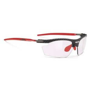 Очки Rudy Project RYDON CARBON ImpX 2 Laser REDВелоочки<br>ОписаниеОчки Rudy Project RYDON CARBON ImpX 2 Laser REDПрименениеСпортивные очки для занятия велосипедом, бегом, лыжами, активного отдыха.Rudy Project Rydon - самые популярные и востребованные очки для велоспорта, бега, триатлона и активного отдыха. Разнообразие цветов оправы и самый широкий выбор линз позволяют подобратьмодель к любой экипировке и любым погодным условиям. Очки получили большую популярность благодаря своей функциональности и лёгкости - всего 24 г. Нижняя часть линз не защищена оправой, поэтому Rydon не ограничивают поле зрения и прекрасно подходят для велогонок, занятий горным велосипедом, бегом по пересечённой местности, когда необходимо хорошо видеть поверхность земли, выбирая лучшую траекторию. Прочная рамка из запатентованного сплава алюминия, магния, кремния и титана сохраняет жёсткость и долговечность конструкции. Глаза надёжно защищены от попадания пыли и любого крупного мусора за счётударопрочных линз, не образующих осколков даже при сильном повреждении.ТехнологииADJUSTABLE NOSE PIECEРегулируемый наносник позволяет изменить посадку и добиться максимального комфорта.ADJUSTABLE TEMPLESРегулируемые заушины для лучшей фиксации очков вне зависимости от формы головы.GRILAMID FRAMEДля особой долговечности рамка очков изготовлена из Grilamid® - это лёгкий ударопрочный гипоаллергенный высококачественный термопласт стабильный при длительном использовании и перепадах температуры.SAFETY PROJECTRudy Project - ведущий разработчик в области безопасности и производства технологичных средств защиты спортсменов, в особенности, шлемов и очков. Исследования направлены на обеспечение максимальной защиты в случае падения, ударов или столкновений. Поэтому все очкиRudy Projectпрошли множество тестов и имеют встроенные шарнирные крепления, мягкие термопластичные эластомеры для большей ударопрочности и предотвращения появления осколков.QUICK CHANGEСистема быстрой замены линзQuick Change™ позволяет легко менят