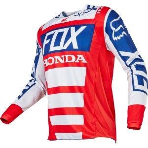 Велоджерси Fox 180 Honda Jersey, красно-белый 2017Велоджерси<br>Обновлённая модель 180, основные особенности которой – вставки из дышащего сетчатого материала по бокам и командная расцветка Fox Racing/Honda. В остальном, это всё то же традиционное, проверенное временем джерси.<br><br><br><br>ОСОБЕННОСТИ<br><br><br><br>Материал: быстросохнущий полиэстер<br><br>Вставки из сетчатого материала по бокам<br><br>Командная расцветка Fox Racing/Honda<br><br>Удлинённая задняя часть – благодаря ей джерси всегда останется аккуратно заправленным в штаны<br>