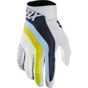 Велоперчатки Fox Airline Draftr Glove, светло-серый 2018Велоперчатки<br>Лёгкие и технологичные перчатки без застёжек от Fox – максимально удобные, стильные и долговечные. Основная особенность этих перчаток – вставки из специальной резины на кончиках пальцев для более естественного ощущения руля и точного управления мотоциклом. Верх из эластичного текстиля отлично дышит, а ладонь из тонкой искусственной кожи Clarino обеспечивает оптимальное сцепление с грипсами.<br><br><br><br>ОСОБЕННОСТИ<br><br><br><br>Материал: текстиль, искусственная кожа<br><br>Ладонь выполнена из тонкой искусственной кожи Clarino<br><br>Технология TRUFEEL от Fox - вставки из специальной резины на кончиках пальцев обеспечивают более естественное ощущение руля и точное управление мотоциклом<br><br>Вставки из сетчатого материала между пальцами для лучшей вентиляции<br><br>Модель без застёжек<br>