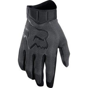 Велоперчатки Fox Airline Race Glove, черно-серый 2018Велоперчатки<br>Лёгкие и технологичные перчатки без застёжек от Fox – максимально удобные, стильные и долговечные. Основная особенность этих перчаток – вставки из специальной резины на кончиках пальцев для более естественного ощущения руля и точного управления мотоциклом. Верх из эластичного текстиля отлично дышит, а ладонь из тонкой искусственной кожи Clarino обеспечивает оптимальное сцепление с грипсами.<br><br><br><br>ОСОБЕННОСТИ<br><br><br><br>Материал: текстиль, искусственная кожа<br><br>Ладонь выполнена из тонкой искусственной кожи Clarino<br><br>Технология TRUFEEL от Fox - вставки из специальной резины на кончиках пальцев обеспечивают более естественное ощущение руля и точное управление мотоциклом<br><br>Вставки из сетчатого материала между пальцами для лучшей вентиляции<br><br>Модель без застёжек<br>