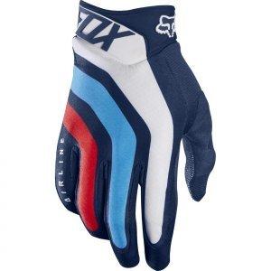 Велоперчатки Fox Airline Seca Glove, синий 2017Велоперчатки<br>Лёгкие и технологичные перчатки без застёжек от Fox – максимально удобные, стильные и долговечные. Основная особенность этих перчаток – вставки из специальной резины на кончиках пальцев для более естественного ощущения руля и точного управления мотоциклом. Текстильный верх данной модели отлично дышит, а ладонь из тонкой искусственной кожи Clarino обеспечивает оптимальное сцепление с грипсами.<br><br><br><br>ОСОБЕННОСТИ<br><br><br><br>Материал: текстиль, искусственная кожа<br><br>Ладонь выполнена из тонкой искусственной кожи Clarino<br><br>Технология TRUFEEL от Fox - вставки из специальной резины на кончиках пальцев обеспечивают более естественное ощущение руля и точное управление мотоциклом<br><br>Модель без застёжек<br>