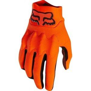 Велоперчатки Fox Bomber LT Glove, оранжевый 2018Велоперчатки<br>Лёгкие и тонкие перчатки, долговечности и защитных свойств которых более чем достаточно для гонщиков эндуро. Верх модели выполнен из устойчивого к истиранию эластичного текстиля Stretch Cordura, ладонь отделана перфорированной искусственной кожей Clarino. Основные особенности этих перчаток – защитные вставки из особого пеноматериала D30, мгновенно твердеющего при ударах, а также оригинальная технология TRUFEEL - вставки из специальной резины на кончиках пальцев обеспечивают более естественное ощущение руля и точное управление мотоциклом.<br><br><br><br>ОСОБЕННОСТИ<br><br><br><br>Материал верха: Stretch Cordura<br><br>Материал ладони: искусственная кожа Clarino<br><br>Защитные вставки из пеноматериала D30<br><br>Технология TRUFEEL - вставки из специальной резины на кончиках пальцев обеспечивают более естественное ощущение руля и точное управление<br>