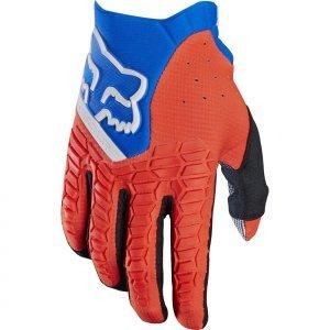 Велоперчатки Fox Pawtector Glove, оранжевый 2017Велоперчатки<br>Классические вело и мотокроссовые перчатки от Fox. Основные особенности данной модели – неопреновые и резиновые накладки на костяшках, удобная застёжка и ладонь, отделанная двойным слоем искусственной кожи Clarino. Словом, отличное сочетание эффективной защиты, внешнего вида и функцииональности.<br><br><br><br>ОСОБЕННОСТИ<br><br><br><br>Материал: текстиль, искусственная кожа<br><br>Ладонь отделана двойным слоем искусственной кожи Clarino<br><br>Силиконовые накладки для лучшего сцепления с рулём<br><br>Защитные накладки на костяшках из резины и неопрена<br><br>Удобная застёжка на крючке<br>