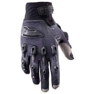 Велоперчатки Leatt GPX 5.5 Windblock Glove, черно-серый 2017Велоперчатки<br>Самые современные и технологичные велоперчатки, обеспечивающие наиболее эффективную защиту и максимальный комфорт при выездах в холодную погоду. Верх данной модели выполнен из плотной непродуваемой ткани, а ладонь отделана самым современным материалом под названием NanoGrip, который обеспечивает наилучшее сцепление как в сухих, так и во влажных условиях. Кроме того, эти перчатки соответствуют требованиям стандарта безопасности CE и отлично защищают пальцы и костяшки от травм при падениях. Стоит также обратить внимание на их стильный внешний вид и на совместимость с сенсорными дисплеями – словом, если вы серьёзно относитесь к катанию, то эта модель однозначно для вас.<br><br><br><br>ОСОБЕННОСТИ<br><br><br><br>Материал: текстиль/Nanogrip<br><br>Защитные накладки из фирменного материала Armourgel<br><br>Соответствуют требованиям стандарта безопасности CE<br><br>Силиконовые накладки на кончиках среднего и указательного пальцев<br><br>Удобная застёжка на липучке<br>