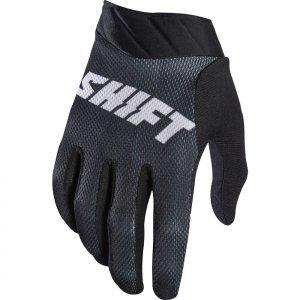 Велоперчатки Shift Black Air Glove, черный 2017Велоперчатки<br>Максимально лёгкие и дышащие перчатки без застёжек от Shift. Верх модели выполнен из дышащего текстиля, а ладонь отделана тонкой искусственной кожей Clarino. Силиконовые накладки на кончиках пальцев обеспечивают лучший контроль ручек тормоза и сцепления.<br><br><br><br>ОСОБЕННОСТИ<br><br><br><br>Материал: текстиль/искусственная кожа<br><br>Модель без застёжек<br><br>Силиконовые накладки на кончиках пальцев для лучшего сцепления<br><br>Оригинальная графика<br>