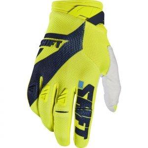 Велоперчатки Shift Black Pro Glove Flow, желтый 2017Велоперчатки<br>Black Pro - новые вело и мотокроссовые перчатки от Shift. Верх модели выполнен из эластичного дышащего текстиля, а ладонь отделана тонкой искусственной кожей Clarino. Одна из особенностей этих перчаток - дополнительная накладка на большом пальце для большей прочности и долговечности. А силиконовые накладки на кончиках среднего и указательного пальцев обеспечивают лучший контроль ручек тормоза и сцепления.<br><br><br><br>ОСОБЕННОСТИ<br><br><br><br>Материал: текстиль/искусственная кожа<br><br>Дополнительная накладка на большом пальце для большей прочности и долговечности<br><br>Силиконовые накладки на кончиках среднего и указательного пальцев для лучшего сцепления<br><br>Оригинальная графика<br>