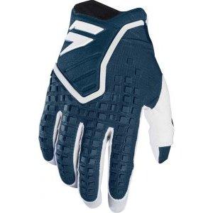 Велоперчатки Shift Black Pro Glove, синий 2018Велоперчатки<br>Black Pro - новые вело и мотокроссовые перчатки от Shift. Верх модели выполнен из эластичного дышащего текстиля, а ладонь отделана тонкой искусственной кожей Clarino. Одна из особенностей этих перчаток - дополнительная накладка на большом пальце для большей прочности и долговечности. А силиконовые накладки на кончиках среднего и указательного пальцев обеспечивают лучший контроль ручек тормоза и сцепления.<br><br><br><br>ОСОБЕННОСТИ<br><br><br><br>Материал: текстиль/искусственная кожа<br><br>Дополнительная накладка на большом пальце для большей прочности и долговечности<br><br>Силиконовые накладки на кончиках среднего и указательного пальцев для лучшего сцепления<br><br>Оригинальная графика<br>