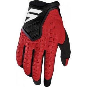 Велоперчатки Shift Black Pro Glove, темно-красный 2018Велоперчатки<br>Black Pro - новые вело и мотокроссовые перчатки от Shift. Верх модели выполнен из эластичного дышащего текстиля, а ладонь отделана тонкой искусственной кожей Clarino. Одна из особенностей этих перчаток - дополнительная накладка на большом пальце для большей прочности и долговечности. А силиконовые накладки на кончиках среднего и указательного пальцев обеспечивают лучший контроль ручек тормоза и сцепления.<br><br><br><br>ОСОБЕННОСТИ<br><br><br><br>Материал: текстиль/искусственная кожа<br><br>Дополнительная накладка на большом пальце для большей прочности и долговечности<br><br>Силиконовые накладки на кончиках среднего и указательного пальцев для лучшего сцепления<br><br>Оригинальная графика<br>