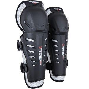 Наколенники подростковые Fox Titan Race Knee/Shin Youth Guard, черный, 04274-001-OSЗащита колена<br>Наколенники подростковые Titan Race Knee реализуют полноценную защиту и покрытие для коленей и голени. Всё это плавно совмещается и сопрягается с двойным био-механическим шарниром и подвижной защитой коленей. Таким образом, удаётся реализовать полноценную защиту ноги в ассиметричной плоскости, дополненную блестящими практичными решениями, упрощающими процесс использования и надевания наколенников. Для этих целей предусмотрена система застёжек Posi-Lock с одиночной удобной регулировкой. В целом, наколенники Titan Pro - это анатомичная и сбалансированная защита с центрированной позицией и уверенным покрытием по всей поверхности. Незаменимо для всех дисциплин мотокросса!<br><br>ОСОБЕННОСТИ:<br><br>3-ёх составная коленная защита на шарнирах<br>Полностью пластиковая защита с полным покрытием самых важных зон<br>Ассиметричное левое/правое исполнение для оптимальной подгонки<br>Система стрепов Posi-Lock с регулировкой<br>Вентиллируемый мягкий шарнир помогает сохранять комфорт и уверенно охлаждать<br>Цвет: чёрный<br>