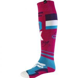 Носки Fox FRI Rohr Thin Sock, фиолетовый 2017Велоноски<br>Тонкие мягкие носки под вело и мотоботы от Fox. Модель выполнена из прочного и долговечного синтетического материала, который быстро сохнет и хорошо отводит влагу. Анатомический крой и дополнительные утолщения в критических местах обеспечивают максимальный комфорт.<br><br><br><br>ОСОБЕННОСТИ<br><br><br><br>Материал: полиэстер<br><br>Анатомический крой<br><br>Дополнительные утолщения в критических местах<br>