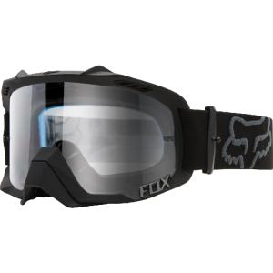 Велоочки Fox Air Defence Black/Clear, 14594-904-NSВелоочки<br>Верхняя модель линейки масок от Fox – модификация проверенной временем маски Air Space с новой изогнутой линзой из прозрачного поликарбоната, обеспечивающей лучшую устойчивость к ударам, минимальное оптическое искажение и стопроцентное поглощение ультрафиолета. А 17-миллиметровая подкладка из пеноматериала эффективно отводит влагу от лица.<br><br>Характеристики:<br><br>• продуманная вентиляционная система обеспечивает необходимую циркуляцию воздуха<br>• увеличенный боковой обзор<br>• 17 мм трехслойного вспененного материала в местах контакта с лицом<br>• система крепления линз на 8 пинах <br>• 100% защита от UV благодаря линзам из Lexan®<br>• нескользящая резинка шириной 45 мм<br>• съемная защита носа<br>