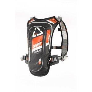 Рюкзак-гидропак Leatt GPX Race HF 2.0, оранжево-черный, 7016100100Велорюкзаки<br>Лёгкий и компактный рюкзак от Leatt, созданный специально для гонщиков эндуро – одна из самых удобных и функциональных моделей на рынке. Верх рюкзака выполнен из непромокаемого и устойчивого к истиранию материала, все швы проклеены, внутри вы найдёте гидратор с двухлитровым резервуаром, а снаружи - удобные стропы для крепления защиты шеи и шлема. Особая система подвески позволяет рюкзаку надёжно держаться на спине без использования поясного ремня – даже на техничных участках он не будет сползать и бить вас по голове.<br><br><br><br>ОСОБЕННОСТИ<br><br><br><br>Объём рюкзака: 1 л<br><br>Объём гидропака: 2 л<br><br>Фирменная система подвески позволяет рюкзаку надёжно держаться на спине без использования поясного ремня<br><br>Два выхода для трубки гидратора: над плечом и подмышкой (для тех, кто ездит в шлемах типа фулл-фейс)<br><br>Удобные стропы для крепления защиты шеи и шлема<br><br>Специальный чехол для резервуара с водой обеспечивает хорошую термоизоляцию – жидкость всегда останется холодной<br>