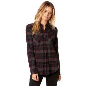 Велорубашка женская Fox Flown Flannel Midnight 2018Велофутболка<br>Классическая фланелевая рубашка от Fox. Модель выполнена из плотной хлопковой ткани, а основные её особенности – два нагрудных кармана и декор в виде логотипа бренда.<br><br><br><br>ОСОБЕННОСТИ<br><br><br><br>Материал: 100% - хлопок<br><br>Два нагрудных кармана<br><br>Декор в виде логотипа бренда<br>