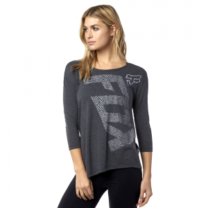 Велофутболка женская Fox Angled LS Tee, черный 2016Велофутболка<br>Оригинальная футболка с длинным рукавом, выполненная из мягкой синтетической ткани. Модель изготовлена с применением фирменной технологии TRUDRI от Fox, благодаря которой материал быстро сохнет и эффективно отводит влагу от тела.<br><br><br><br>ОСОБЕННОСТИ<br><br><br><br>Материал: 85% - полиэстер, 15% - хлопок (TRUDRI)<br><br>Асимметричный крой<br><br>Широкая горловина<br><br>Оригинальный принт<br>