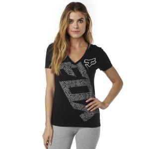 Велофутболка женская Fox Angled V Neck SS Tee, черный 2016Велофутболка<br>Оригинальная приталенная футболка от Fox. Модель выполнена из мягкой хлопковой ткани и декорирована оригинальным принтом.<br><br><br><br>ОСОБЕННОСТИ<br><br><br><br>Материал: 60% - хлопок, 40% - полиэстер<br><br>Приталенный крой<br><br>V-образный вырез<br><br>Оригинальный принт<br>