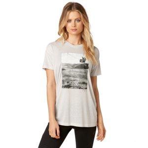 Велофутболка женская Fox Picogram SS Crew, серый 2018Велофутболка<br>Оригинальная женская футболка от Fox. Модель выполнена из плотной синтетической ткани и декорирована оригинальным принтом.<br><br><br><br>ОСОБЕННОСТИ<br><br><br><br>Материал: 50% - полиэстер, 50% - вискоза<br><br>С-образный вырез<br><br>Оригинальный принт<br>