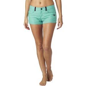 Шорты женские Fox Vault Tech Short, голубой 2016Велошорты<br>Короткие шорты лаконичного дизайна от Fox. Модель выполнена из мягкой синтетической ткани со вставками из сетчатого материала, который быстро сохнет и хорошо отводит влагу от тела.<br><br><br><br>ОСОБЕННОСТИ<br><br><br><br>Материал: 100% - полиэстер<br><br>Вставки из сетчатого материала<br><br>Декор в виде логотипа бренда<br>
