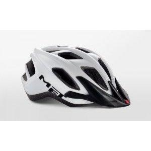 Велошлем Met Funandgo, матовый белый 2018Велошлемы<br>Лёгкий универсальный шлем от Met, достаточно безопасный для серьёзных занятий спортом и достаточно удобный для того, чтобы вы забыли о нём во время езды. Его основные особенности – увеличенная затылочная часть, удобная регулируемая застёжка из лёгкого текстиля, впаянный в жёсткий корпус пенопластовый внутренник, обеспечивающий лучшую абсорбацию ударов, и съёмный козырёк, защищающий глаза от солнца и ветвей деревьев. <br><br>ОСОБЕННОСТИ<br><br><br><br>Максимально лёгкий и технологичный универсальный шлем<br><br>Монолитная конструкция – пенопластовый внутренник впаян в жёсткий корпус шлема<br><br>Съёмный козырёк<br><br>Отверстия для вентиляции закрыты москитной сеткой<br><br>Сменные внутренние накладки из гипоаллергенного материала<br><br>Светоотражающие наклейки<br>