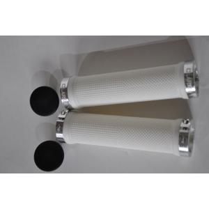 Ручки CLARK`S CLO201 на руль, резиновые, 130мм, с 2 фиксат, бело-серебристые анодир, 3-446